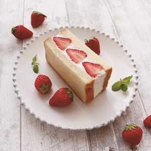 【春華堂】<br>春華堂人気のフルーツサンドが進化!<br>自家製生クリーム食パンサンドシリーズ