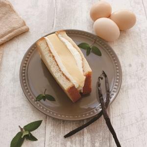 【春華堂】<br>自家製生クリーム食パンサンドシリーズ<br>クラシックプリン